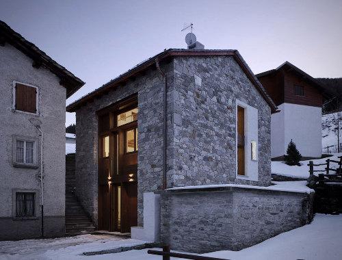 Une grange transform e en maison contemporaine conseils d co for Conseils decoration maison
