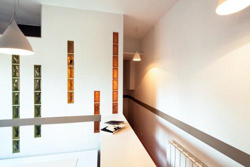 Rythmes pastels et am nagements sur mesure pour un petit for Architecte 3d hauteur mur