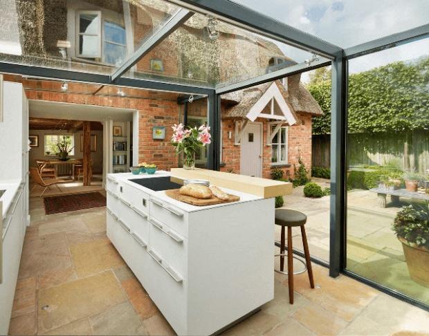 conseilsdeco-deco-decoration-maison-designer-Alex-Saint-Kitchen-Architecture-extension-Cheshire-Angleterre-veranda-cuisine-verre-04
