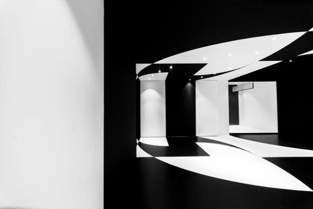 Conseilsdeco-architectes-architecture-interieur-Stephane-Malka-Nouvelle-Heloise-AgoraTic-formations-digitales-bureaux-reunions-futuriste-monochrome-06