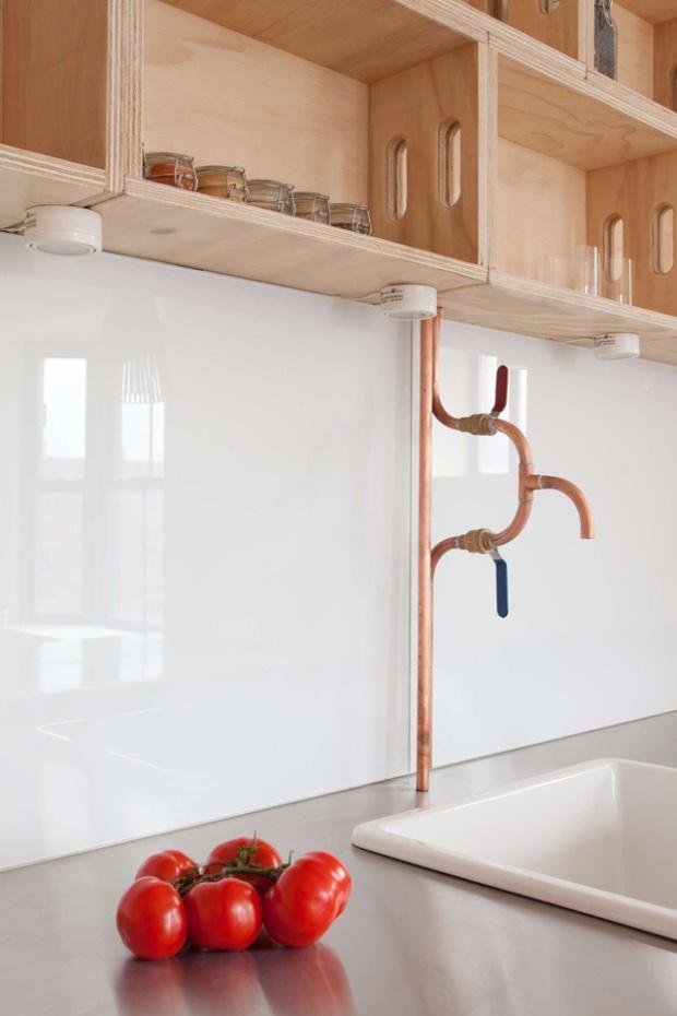 Conseilsdeco-Cobbel-Hill-CoAdaptive-Architecture-renovation-appartement-Brooklyn-New-York-brique-interieurs-cuisine-bowling-architectes-plomberie-cuivre-salle-bains-Peter-Dresse-04