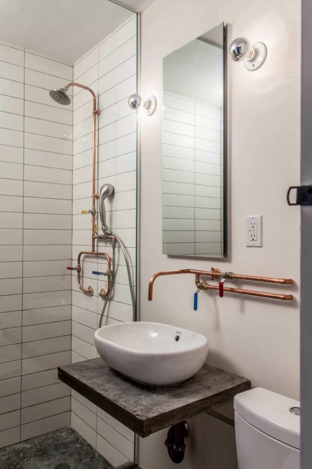 Conseilsdeco-Cobbel-Hill-CoAdaptive-Architecture-renovation-appartement-Brooklyn-New-York-brique-interieurs-cuisine-bowling-architectes-plomberie-cuivre-salle-bains-Peter-Dresse-06