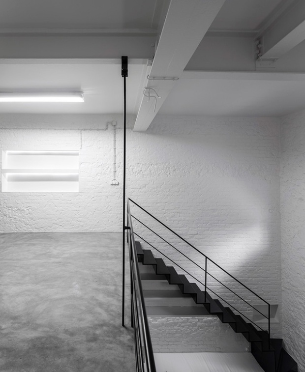 Conseilsdeco-Anjos-Loft-minimalisme-formation-architecte-interieur-universite-Lisbonne-Joao-Tiago-Aguiar-rehabilitation-usine-Portugal-08