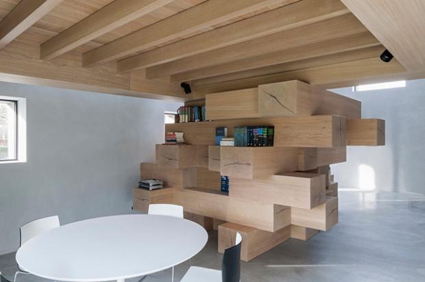 Conseilsdeco-Sculpture-mobilier-Belgique-studio-Farris-bureaux-bois-poutre-renovation-mezzanine-Koen-Van-Damme-04