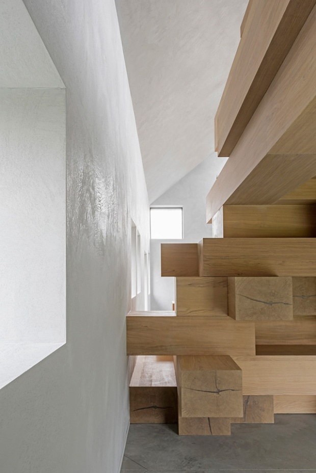 Conseilsdeco-Sculpture-mobilier-Belgique-studio-Farris-bureaux-bois-poutre-renovation-mezzanine-Koen-Van-Damme-07