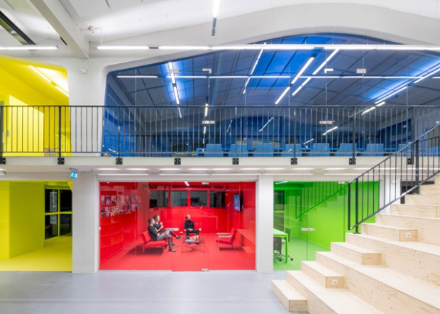 Conseilsdeco-bureaux-familial-multicolores-Rotterdam-architecture-urbanisme-MVRDV-deco-01