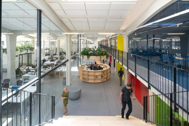 Conseilsdeco-bureaux-familial-multicolores-Rotterdam-architecture-urbanisme-MVRDV-deco-02