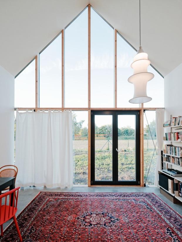 conseilsdeco-slovaquie-architectes-interieur-studio-jrkvc-85m2-budget-abordable-baie-vitree-maison-contreplaque-02