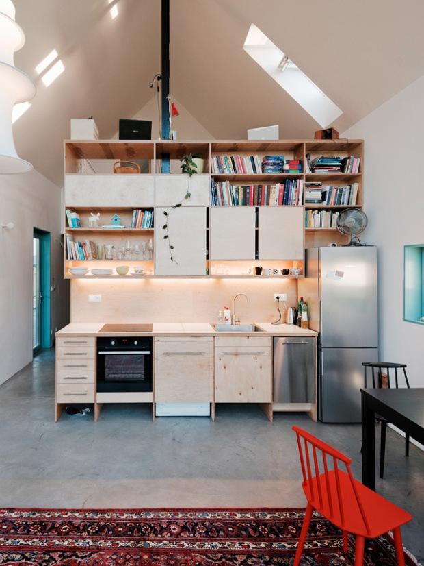 conseilsdeco-slovaquie-architectes-interieur-studio-jrkvc-85m2-budget-abordable-baie-vitree-maison-contreplaque-03