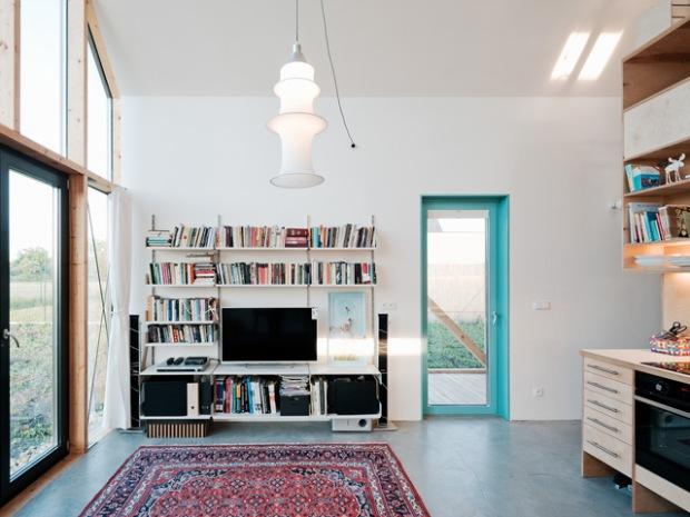 conseilsdeco-slovaquie-architectes-interieur-studio-jrkvc-85m2-budget-abordable-baie-vitree-maison-contreplaque-05