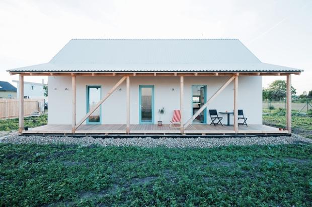 conseilsdeco-slovaquie-architectes-interieur-studio-jrkvc-85m2-budget-abordable-baie-vitree-maison-contreplaque-07