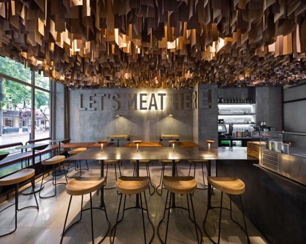 conseilsdeco-shade-burger-materiaux-bruts-hamburgers-architecte-interieur-yoddesign-restaurant-canopee-bois-conseils-deco-01