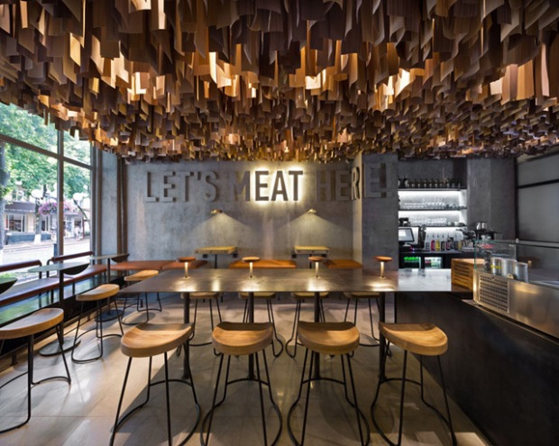 shade burger un restaurant qui fait la part belle aux mat riaux bruts conseils d co. Black Bedroom Furniture Sets. Home Design Ideas