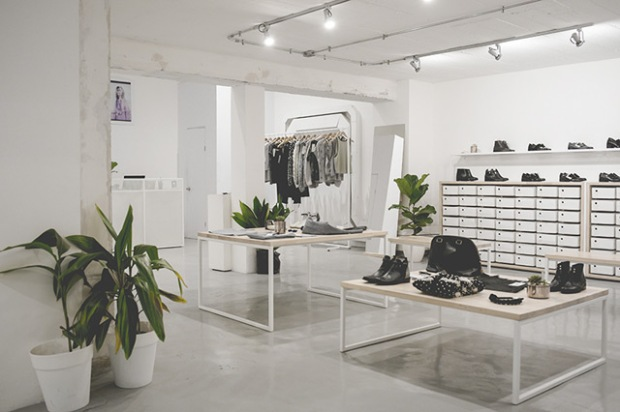 conseilsdeco-showroom-pedro-silva-interieur-arts-architecture-design-galerie-exposition-magasin-vetement-laboratoire-creation-nalca-02