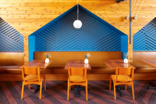 conseilsdeco-decoration-san-diego-architectes-interieur-studio-archisects-restaurant-madison-contemporaine-materiaux-bois-cedre-conseils-deco-06