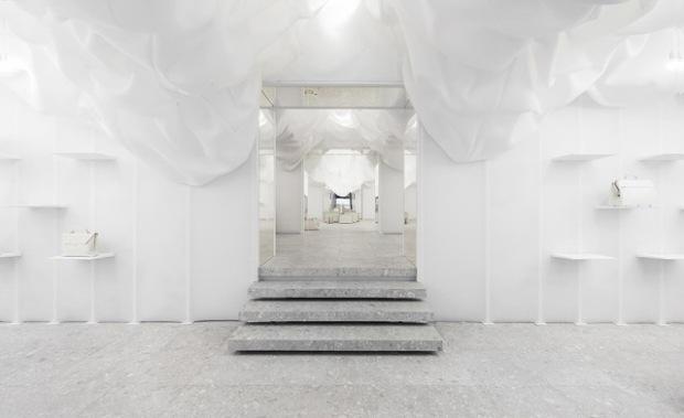 conseilsdeco-monochrome-deco-decoration-boutique-valextra-snarkitecture-interieur-sisto-legnani-cappelletti-01