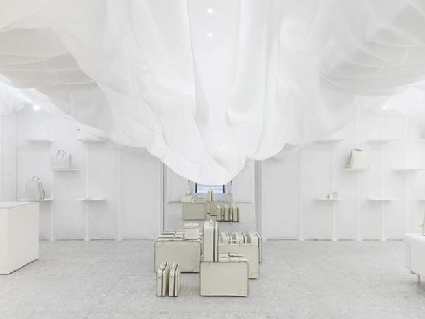 conseilsdeco-monochrome-deco-decoration-boutique-valextra-snarkitecture-interieur-sisto-legnani-cappelletti-02