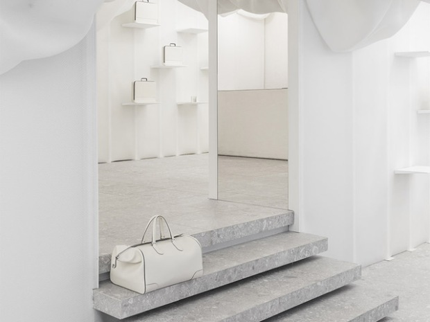 conseilsdeco-monochrome-deco-decoration-boutique-valextra-snarkitecture-interieur-sisto-legnani-cappelletti-03