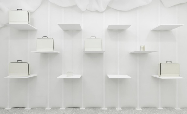 conseilsdeco-monochrome-deco-decoration-boutique-valextra-snarkitecture-interieur-sisto-legnani-cappelletti-06