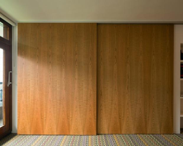 conseilsdeco-renovation-studio-architecture-interieur-azman-architects-londres-bois-cerisier-tapis-mobilier-style-appartement-visite-conseils-deco-02
