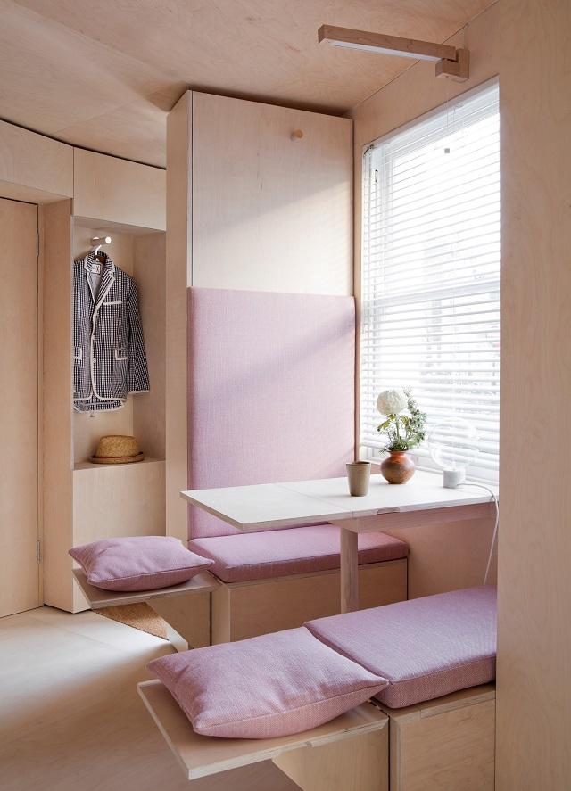 une immense dose d imagination pour un tout petit studio londonien conseils d co. Black Bedroom Furniture Sets. Home Design Ideas