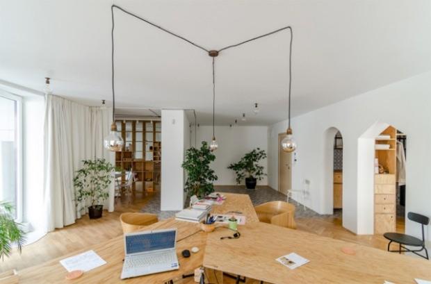 Un appartement transformé en bureaux pour des architectes conseils