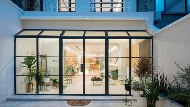 Un immense mur modulable pour faire vivre son int rieur for Architecture minimale