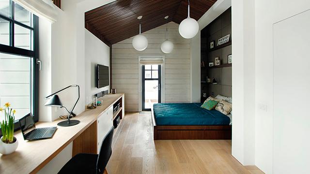 Une élégante chambre à coucher qui accueille des espaces
