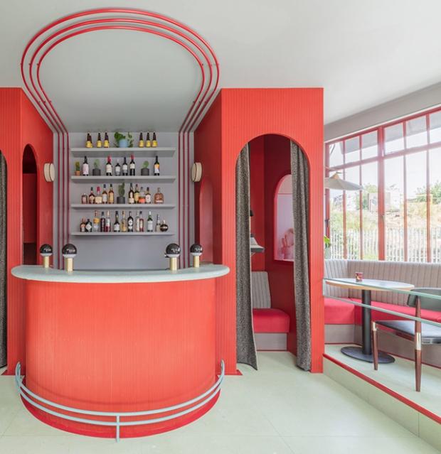 Un restaurant à la décoration sud-américaine et rétro à ...