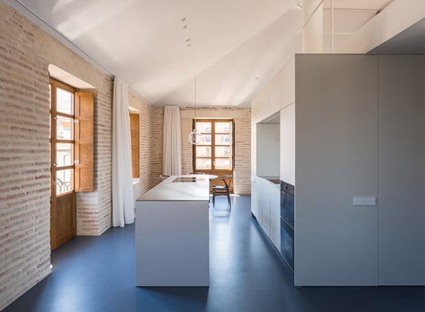 Comment créer un loft dans les combles d\'un immeuble ?   Conseils Déco