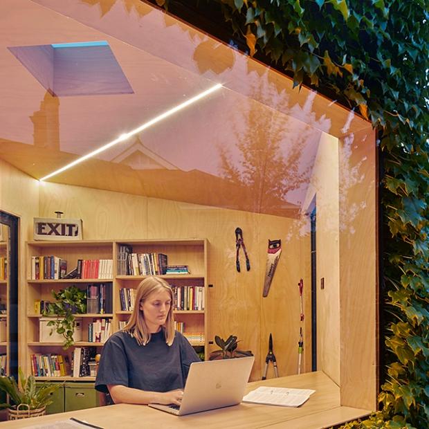 Conseilsdeco-deco-decoration-conseil-architecture-interieur-dependance-Melbourne-Matt-Gibson-cabane-jardin-bureau-materiaux-naturels-vegetale-02