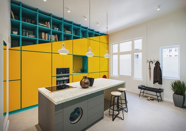 Conseilsdeco-deco-decoration-conseil-architecture-interieur-color-Paradigma-Ariadne-renovation-Budapest-Diagonal-Apartment-etageres-couleur-04