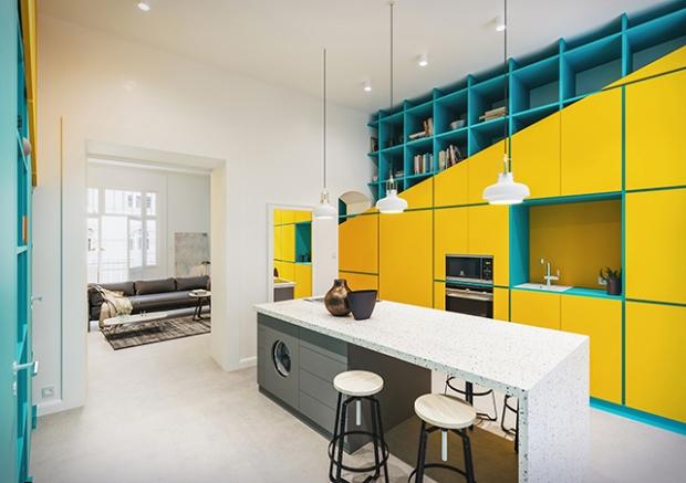 Conseilsdeco-deco-decoration-conseil-architecture-interieur-color-Paradigma-Ariadne-renovation-Budapest-Diagonal-Apartment-etageres-couleur-05